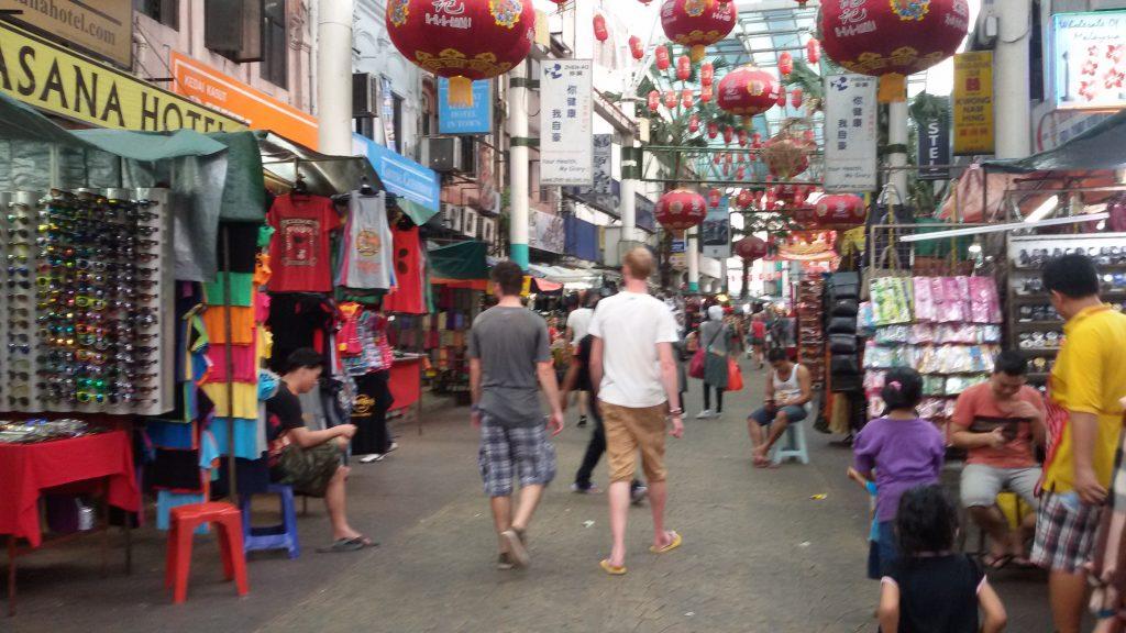 Petaling street, tempat belanja barang murah ;)