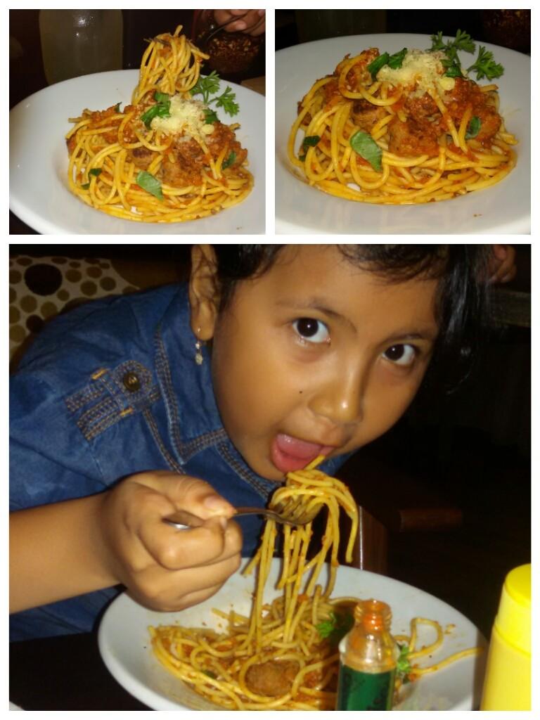spageti meatballs kesukaan Nadia :)