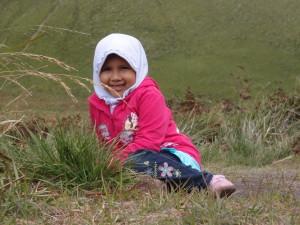 Nadia di Bukit teletubies
