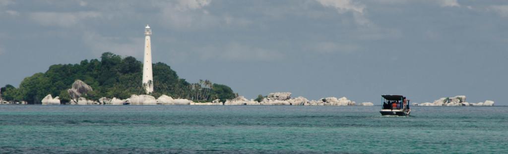 pulau Lengkuas menunggu dihadapan :)