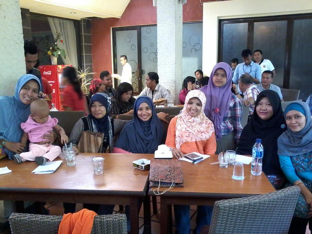 yaayy..akhirnya ketemu blogger2 Semarang yg keren. foto by @IkaPuspitasari