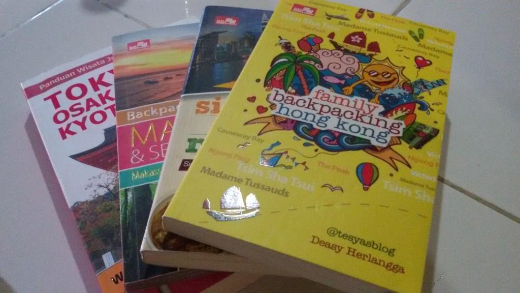 beberapa buku panduang traveling yg bisa membantu kita menyusun itinerary