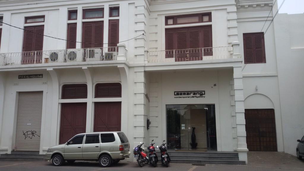 Galeri Semarang yg memanfaatkan salah satu gedung tua di kawasan kota lama Semarang