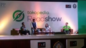 ketiga narasumber Tokopedia Roadshow di Semarang