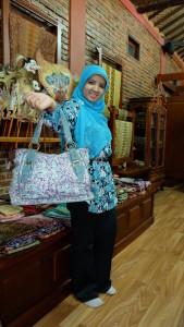 tasnya cantik ya :)