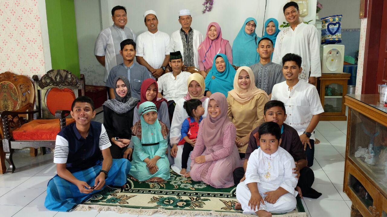 Sebagian kecil dr keluarga besar Abdulah Mahmud masih ada 3 kloter yg belum gabung