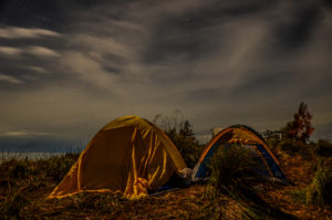 salah satu kegiatan seru saat mendaki gunung adalah camping :)