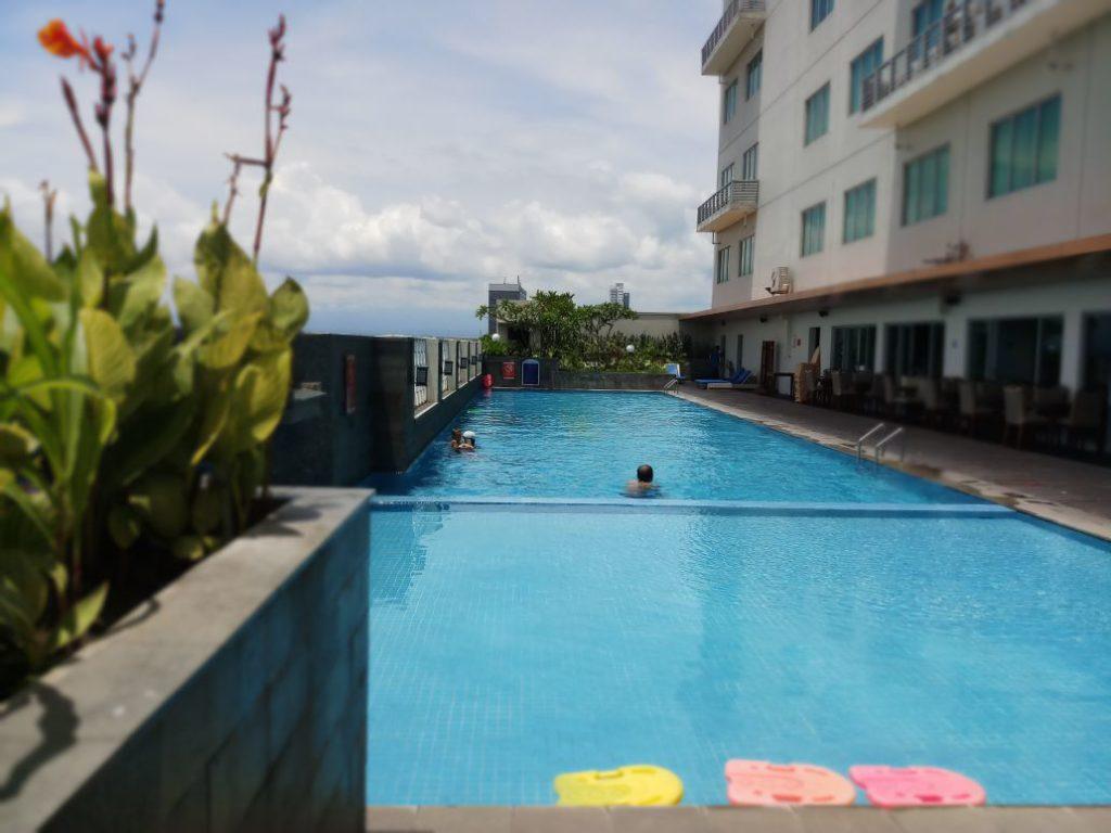 Aston hotel solo