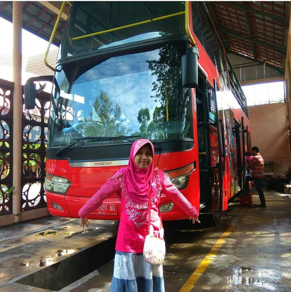 Bus wisata Werkudara