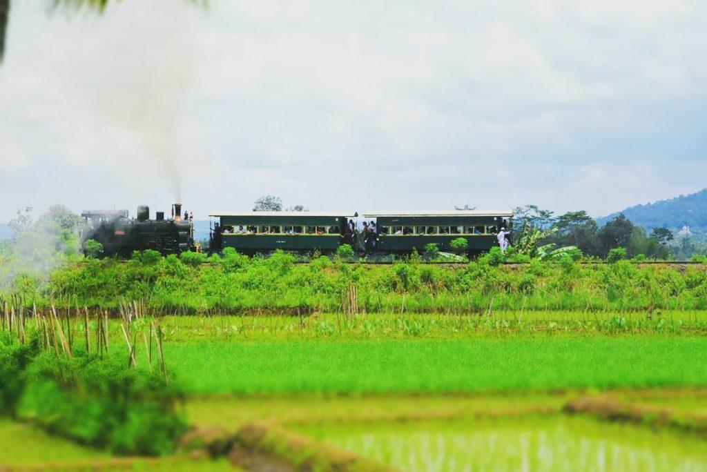 kereta api uang Ambarawa