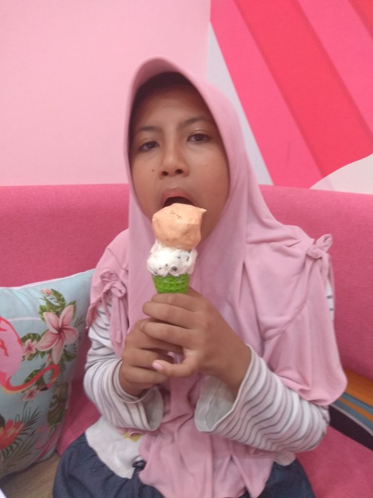 ice cream world semarang