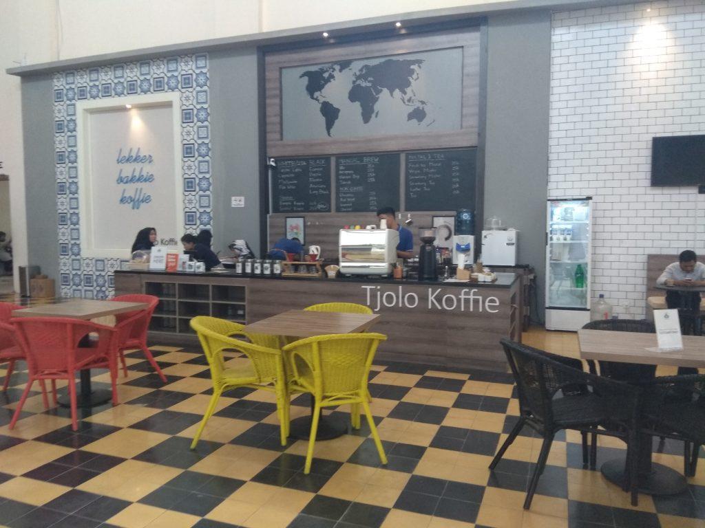 Tjolo Koffie, cafe di dalam pabrik gula Tjolomadoe