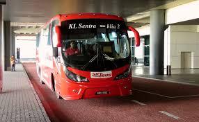 skybus, salah satu jenis shuttle bus yang dapat digunakan sebagai transportasi dari dan menuju KLIA